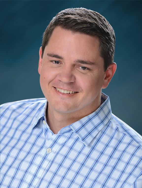 Casey Hoorelbeke, Consultant